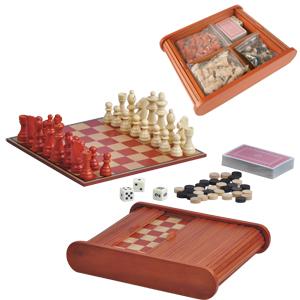 Набор игр: карты, шахматы и нарды