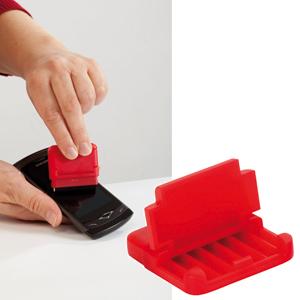 Подставка для мобильного телефона и электронных устройств с поверхностью для протирки экрана